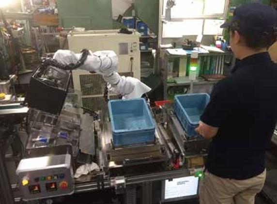 協働ロボット実績:ねじ整列搬送